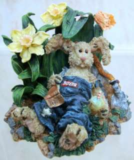 BOYDS BEARS Farmer McHare RESIN Rabbit 3E 36601