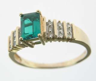 LADIES 10K YELLOW GOLD LAB EMERALD DIAMOND ESTATE RING 67009