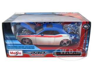 car model of 2008 Dodge Challenger SRT8 die cast car by Maisto