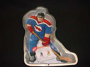 Wilton HOCKEY PLAYER cake pan ICE SPORT bake mold tin INSERT field