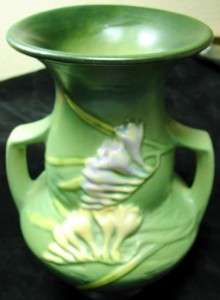 BEAUTIFUL Ca 1945 ROSEVILLE POTTERY LARGE GREEN FREESIA VASE 122 8 8 1