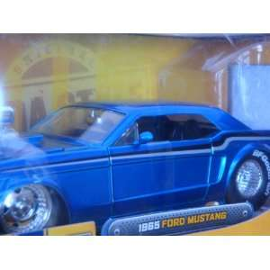 Detailed Diecast Ford Mustang 65 Real Rider Opening Features 1/24